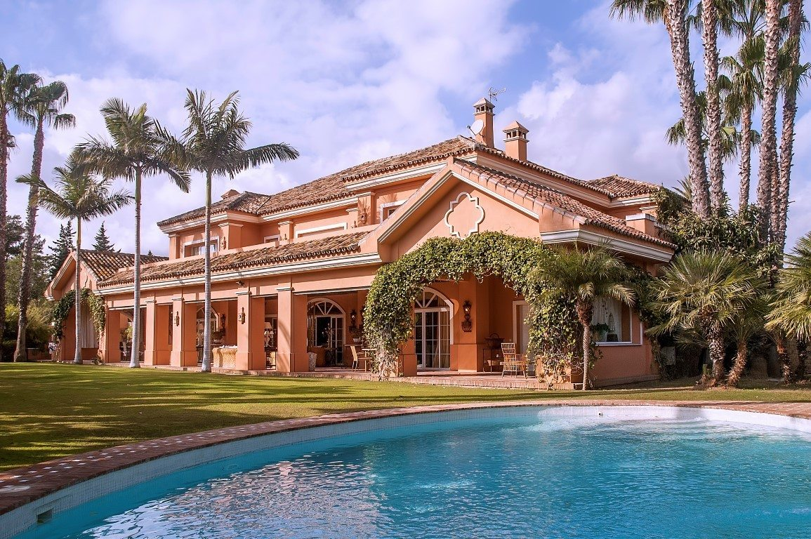 Marbella Estates - Villas for sale in Nueva Andalucia