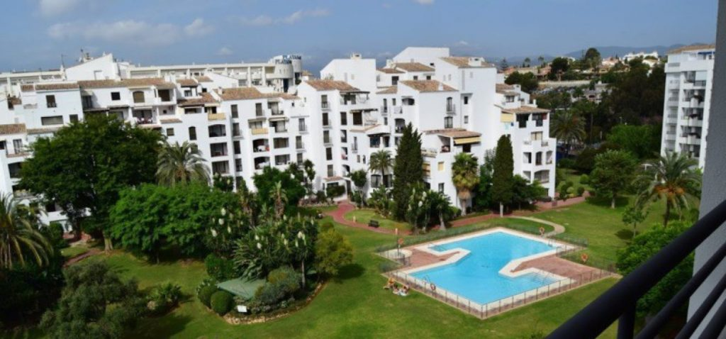 Marbella Estates - Penthäuser zum Verkauf in Puerto Banus