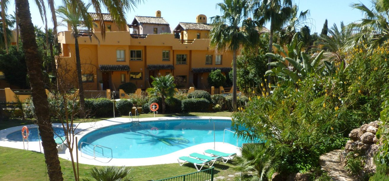 Marbella Estates - Reihenhäuser zum Verkauf in Nagüeles