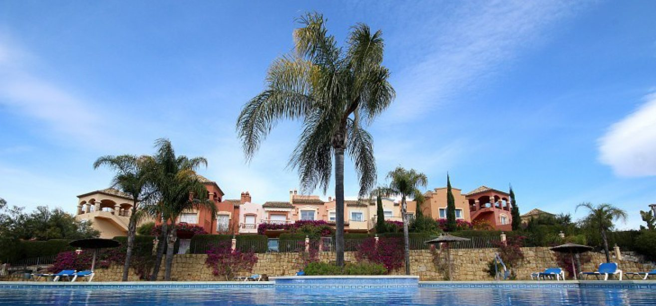 townhouses for sale puerto banus