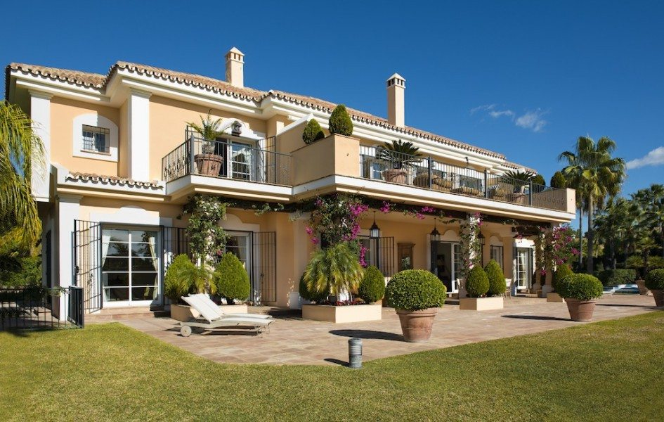 villas for sale los monteros
