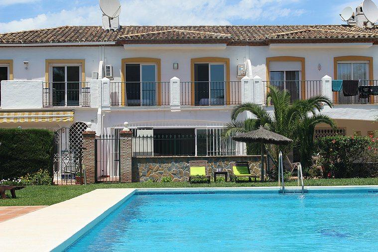 Marbella Estates - Reihenhäuser zum Verkauf in El Paraiso