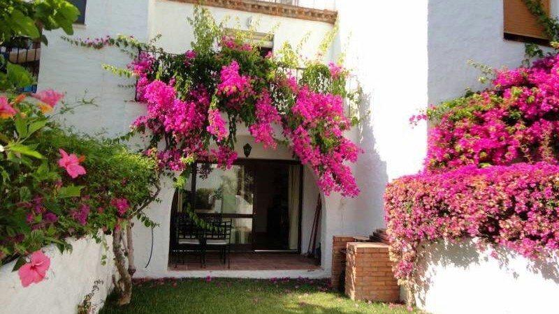 Marbella Estates - Maisons de ville à vendre à Benamara