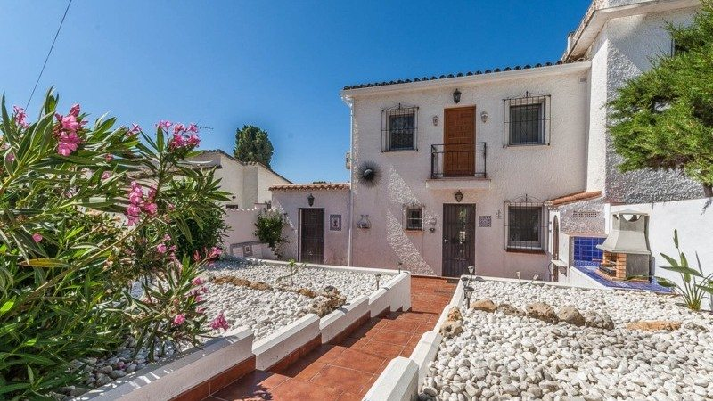 Marbella Estates - Reihenhäuser zum Verkauf in Costabella