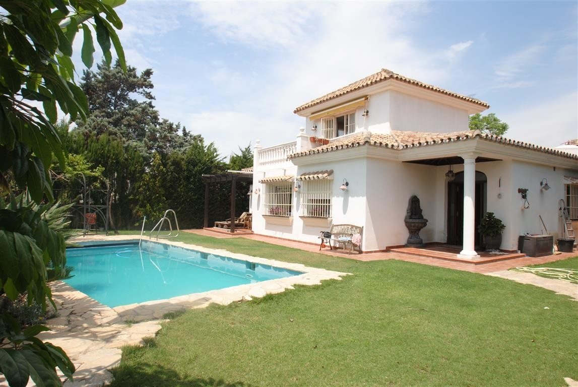 villas for sale costabella