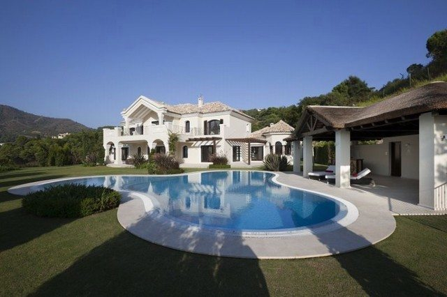 Villas for sale in la zagaleta marbella estates property - Casa plus malaga ...