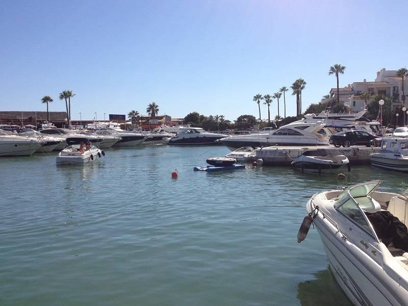 Marbella Estates - Villen zum Verkauf in Puerto de Cabopino