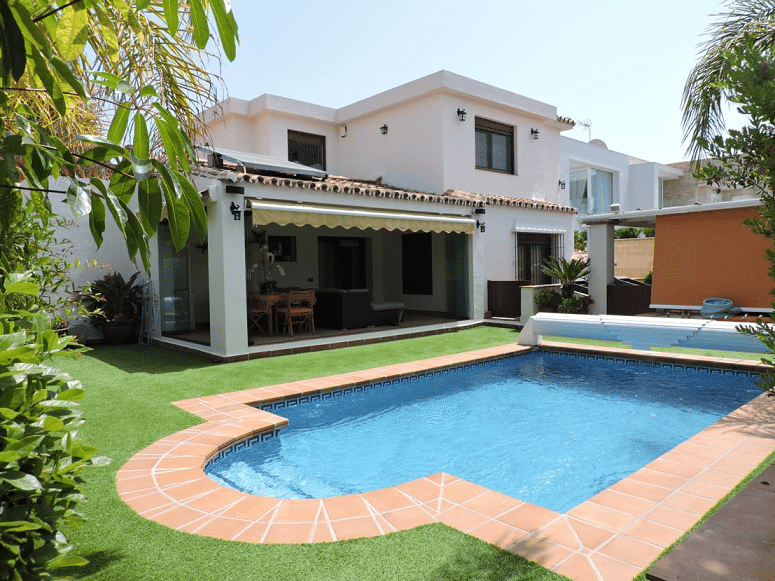 Marbella Estates - Villen zum Verkauf in Las Chapas