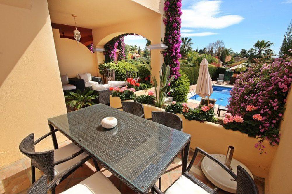 Marbella Estates - Reihenhäuser zum Verkauf in Puerto Banus