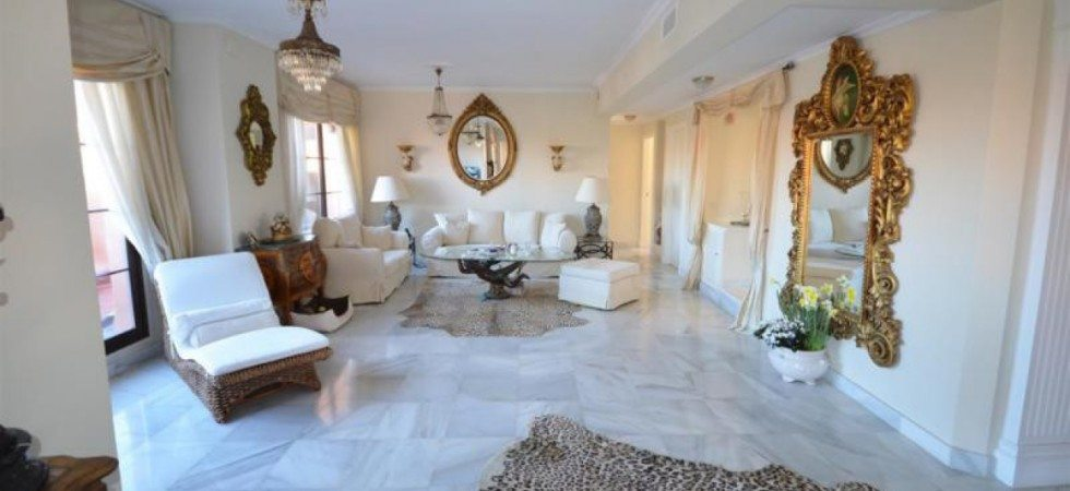 Marbella Estates - Takvåning till salu i Hacienda del Sol