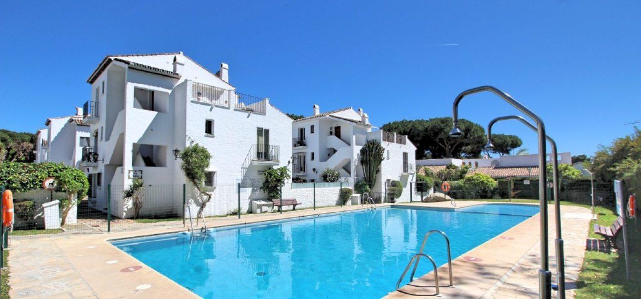 Marbella Estates - Takvåning till salu i Atalaya