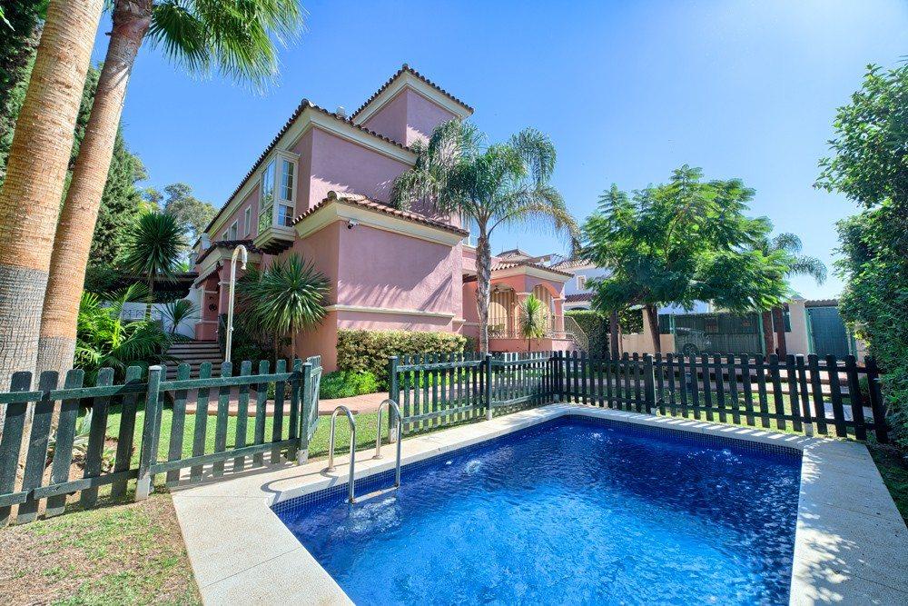 Marbella Estates - Villa till salu i Puerto Banus